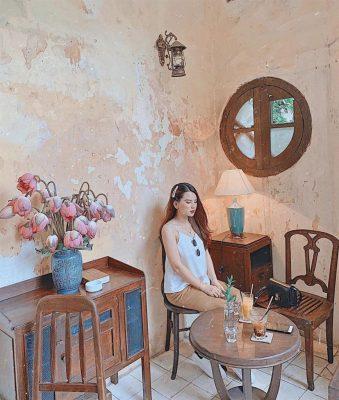 Hanoi-Ban-cong-cafe-02