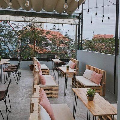 Tiffins Bakery & Café - Quán cafe lãng mạn ở Nha Trang