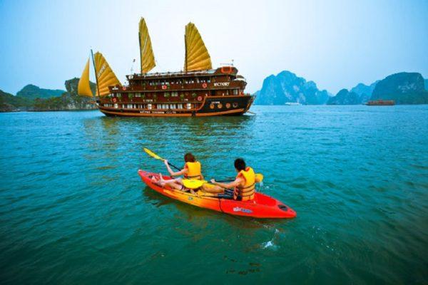 Tháng 4 đến tháng 10 hàng năm là thời điểm thu hút du khách trong nước.