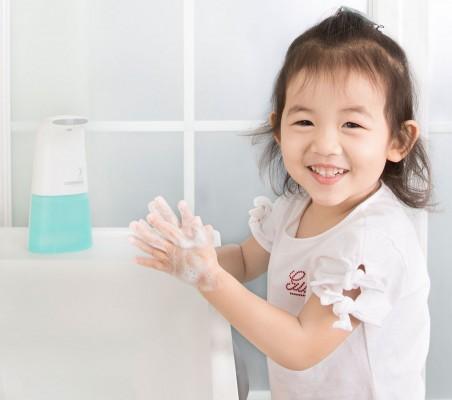 Dạy con rửa tay đúng cách cần gì?